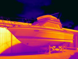Warmtebeeld van een boot inspectie